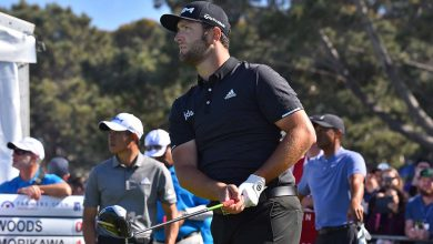 Photo of Jon Rahm overcomes nerves and penalty to win Memorial
