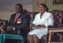Photo of Zimbabwean first lady highlights women's role in fight against COVID-19